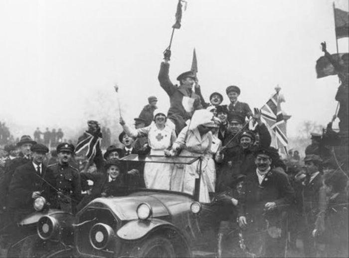 Архивные снимки в день окончания Первой Мировой Войны (31 фо…