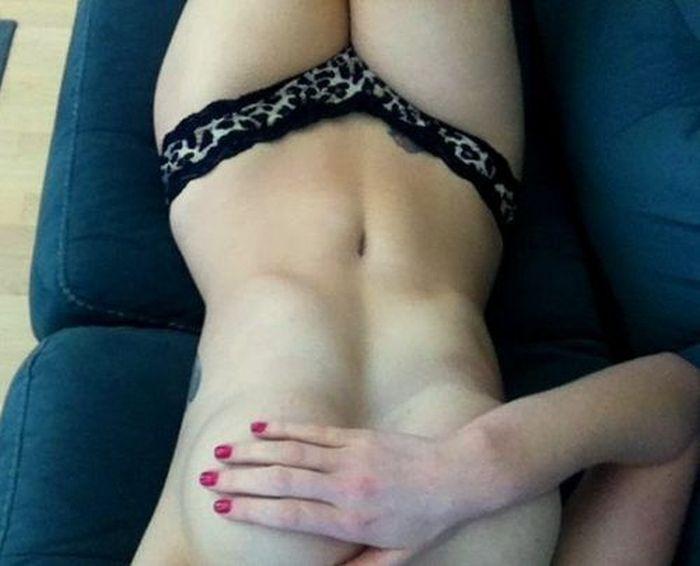 Правильный ракурс для снимков сексуальных красоток (38 фото)