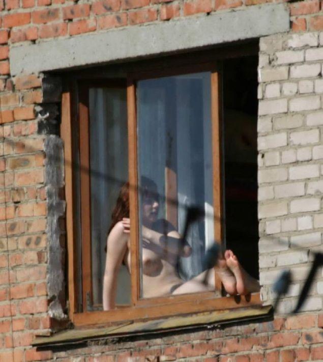 Правильный способ загорать на солнышке по-русски (8 фото)