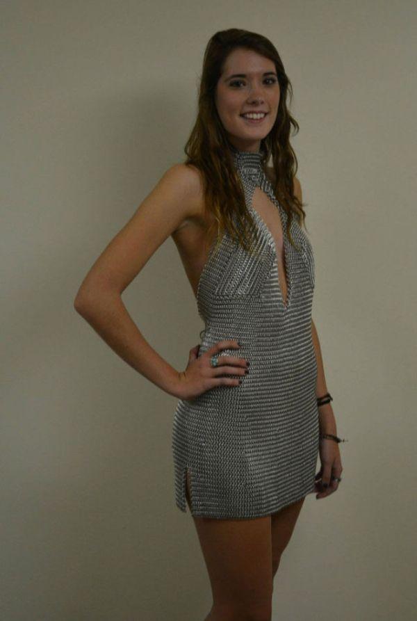 Необычное платье из алюминия своими руками (5 фото)