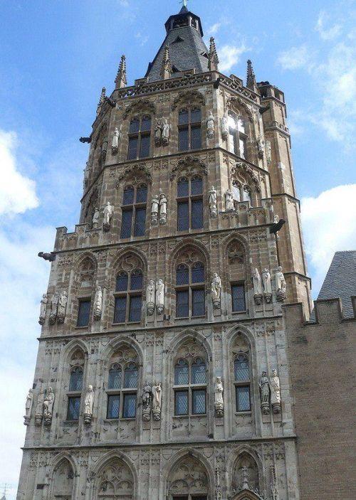 Тайна городской ратуши в Кёльне (6 фото)