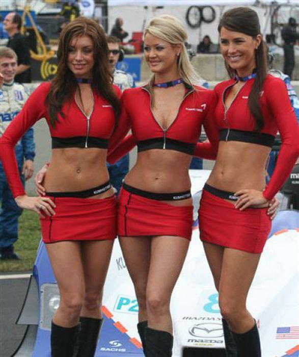 Стройные девушки с гонок F1 (101 фото)