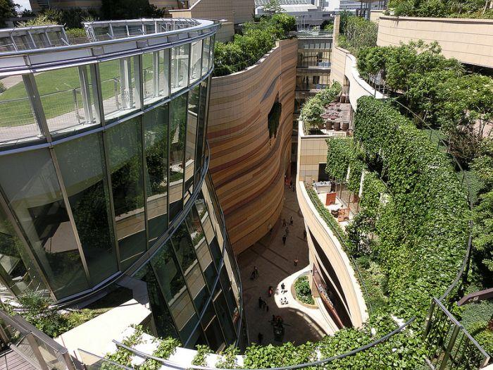 Японский 8-уровневый футуристический парк (14 фото)