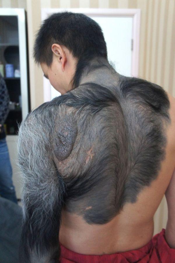 Китайский парень, которого прозвали оборотнем (6 фото)