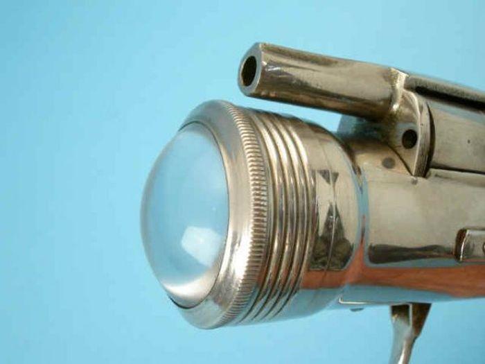 Креативный огнестрельный фонарь 1912 года (5 фото)