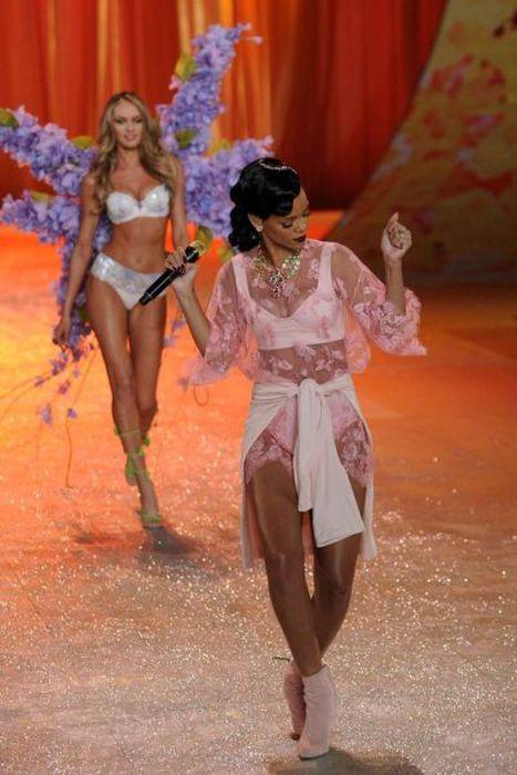 Красивые модели Victoria's Secret. Часть 2 (51 фото)
