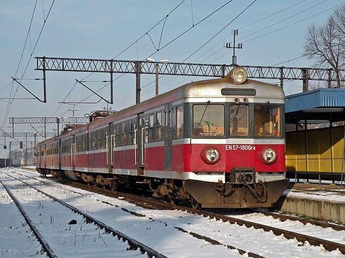 Суровая поезка на поезде (3 фото)