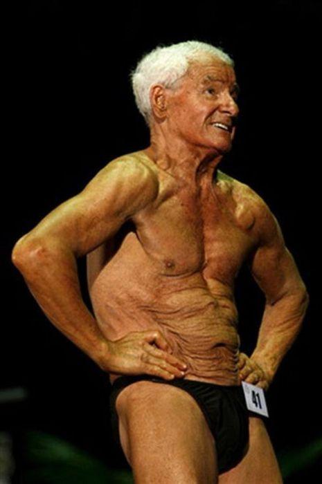Рэй Мун - самый пожилой бодибилдер на планете (9 фото)