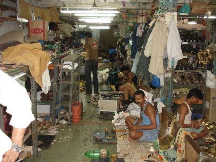 Как производят модельные туфельки в Индии (17 фото)