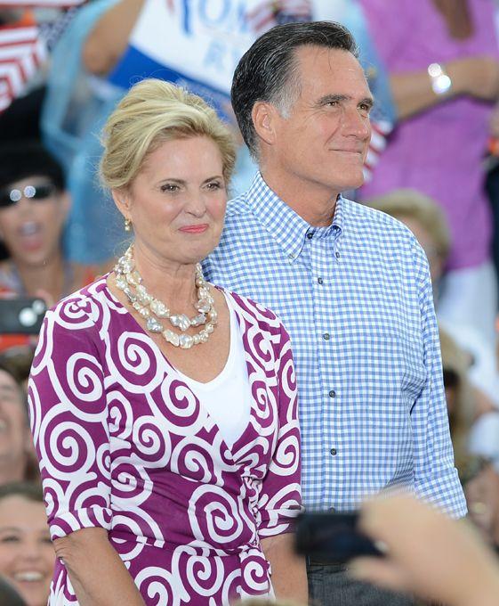 Знаменитые неудачники 2012 года (9 фото)
