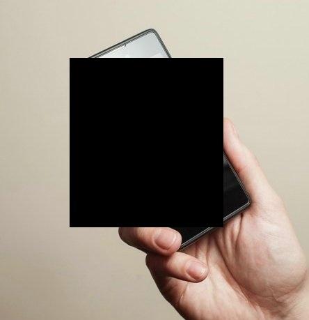 Российский смартфон с двумя дисплеями (10 фото)
