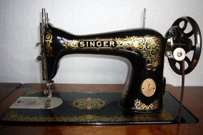 Швейная машина фабрики Зингера