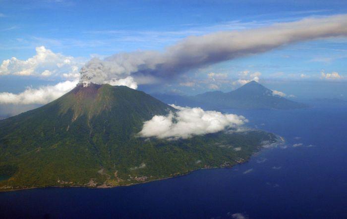 Самые мощные извержения вулканов за 2012 год (39 фото)