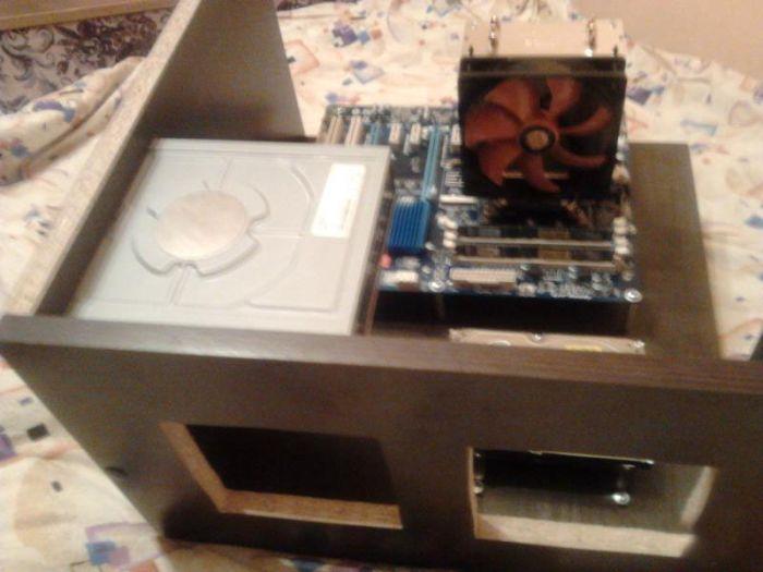 Встраиваем компьютер в рабочий стол своими руками (19 фото)