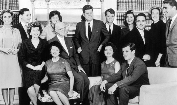 Родовые проклятья известных личностей (11 фото)