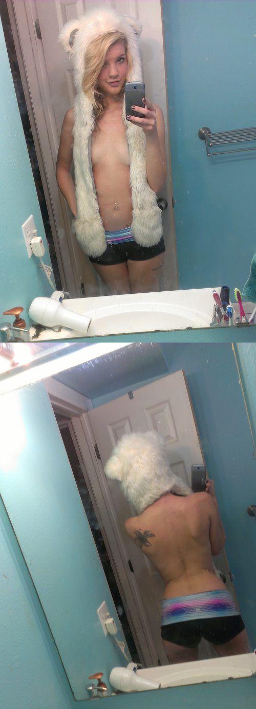 Девушки фотографируют свое отражение (36 фото)