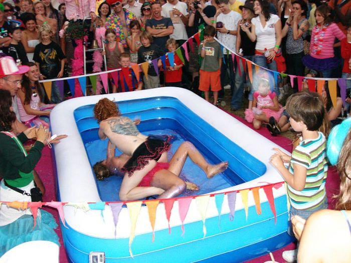 Детский праздник с недетскими развлечениями (1 фото)