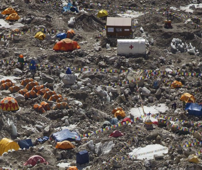 2-гигапиксельный снимок отступающего ледника в Гималаях (9 фото)