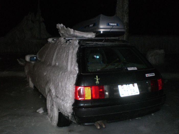 Погода приготовила сюрприз для автовладельцев (12 фото)
