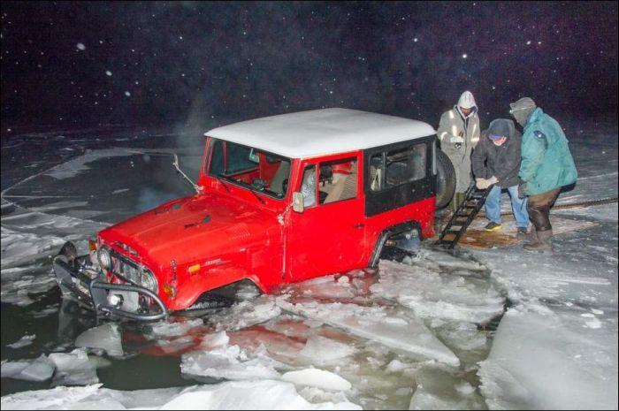 Неудачное открытие сезона зимней рыбалки (9 фото)