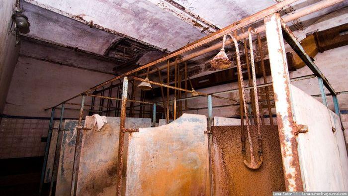 Заброшенная фабрика, построенная до революции (66 фото)
