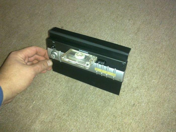Как защититься от кражи дорогой магнитолы (10 фото)