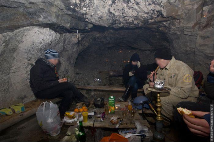 Новый Год в заброшенной шахте (35 фото)