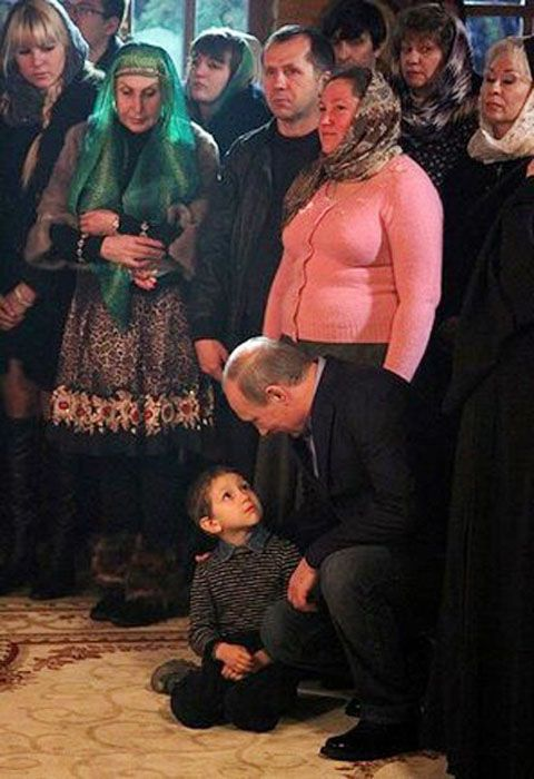 Как Владимир Путин угомонил непоседливого мальчика (2 фото)
