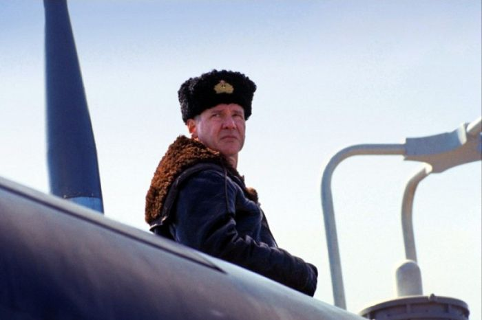 Знаменитости, которые тоже хотят российское гражданство (13 фото)