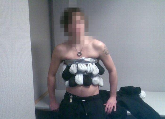 Необычный контрабандист из Норвегии задержан на таможне (4 фото)
