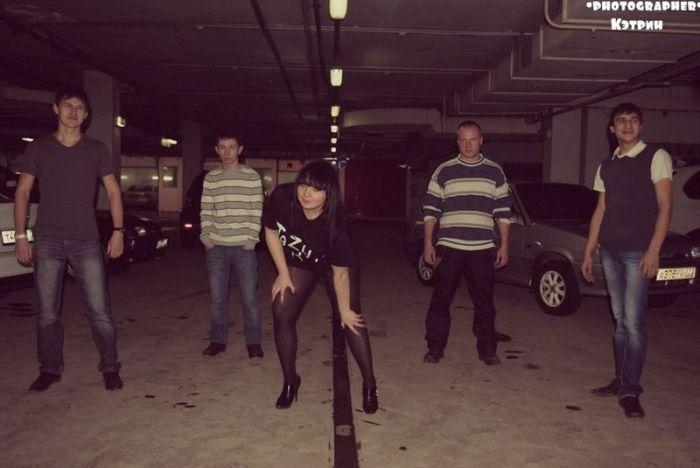 Убойная фотосессия фанатки отечественных автомобилей (11 фото)