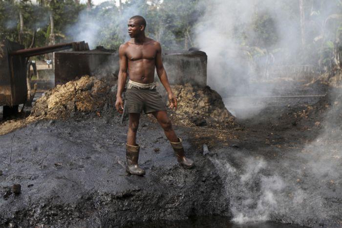 Нигерия поддержала заморозку добычи нефти, предложенную Россией и Саудовской Аравией