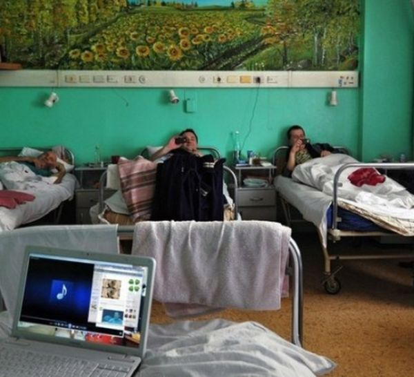 Удачно попал в больницу (1 фото)