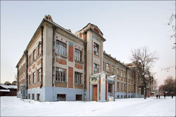 Необычная школа, построенная в 1908 году (19 фото)