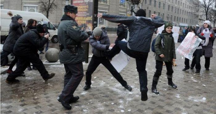 """Протест против закона о запрете """"пропаганды гомосексуализма"""" прошел не по плану (17 фото + видео)"""