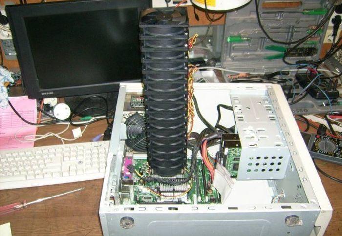 Странное устройство принесли на сервис (6 фото)