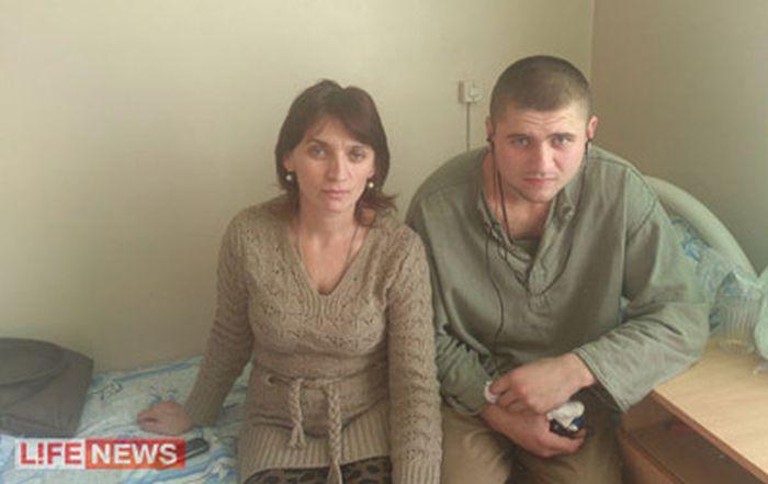В наказание за самоволку, солдат простоял в карауле трое суток на морозе -30 (2 фото + видео)
