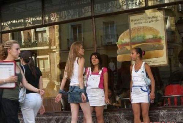 Проститутки разных стран мира (24 фото)