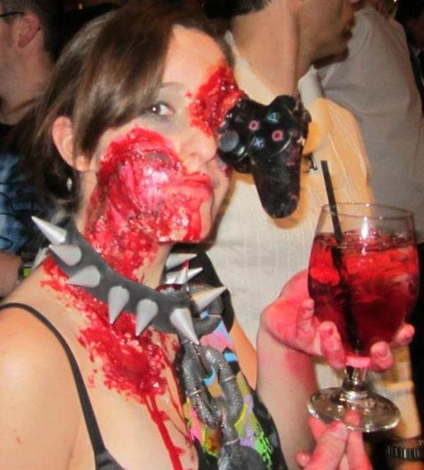 Самый жуткий косплей в стиле зомби (8 фото)