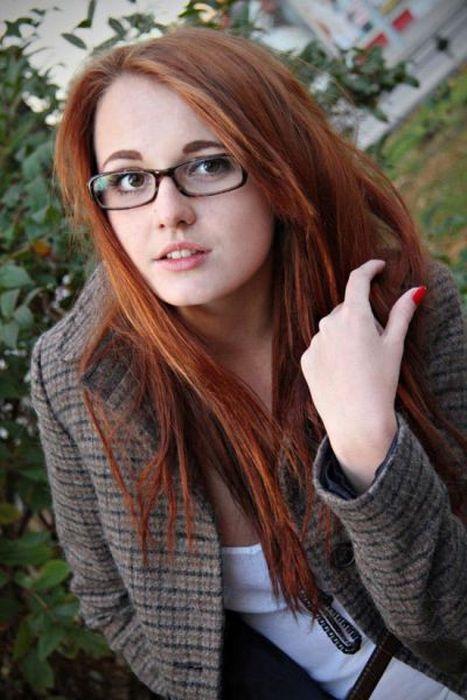 Сексуальные девушки в очках (50 фото)
