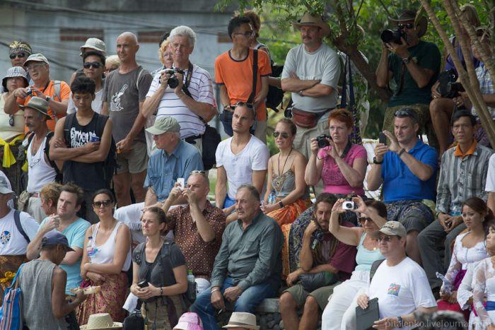 Ритуал кремации на острове Бали (23 фото)