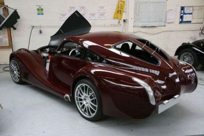 Эксклюзивные автомобили, которые собираются вручную  (23 фото)