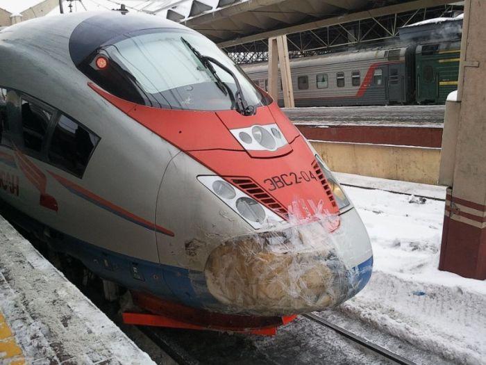 Как РЖД рихтует поезда (2 фото)