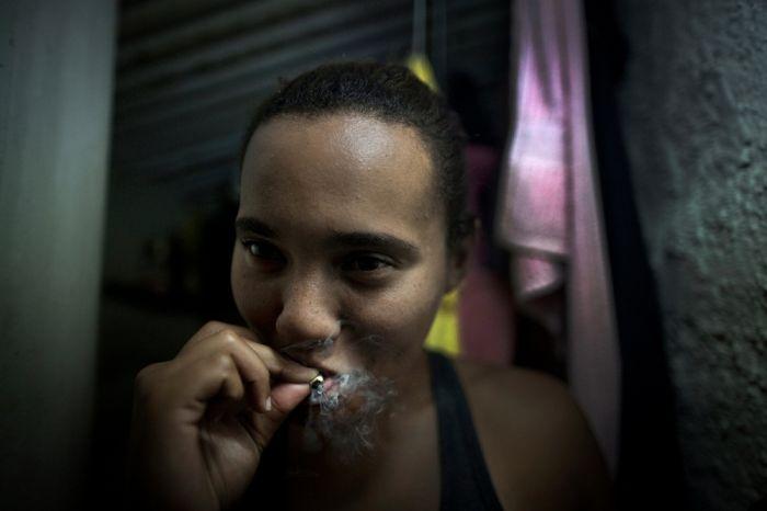 Решение проблемы с насилием и наркотиками в трущобах Рио-де-Жанейро (22 фото)