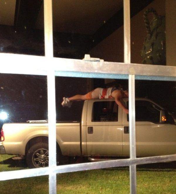 Как отдыхают зарубежные студенты. Часть 3 (46 фото)