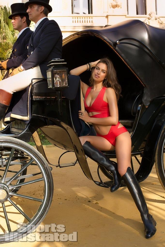 Шикарная Ирина Шейк в журнале Sports Illustrated (15 фото)