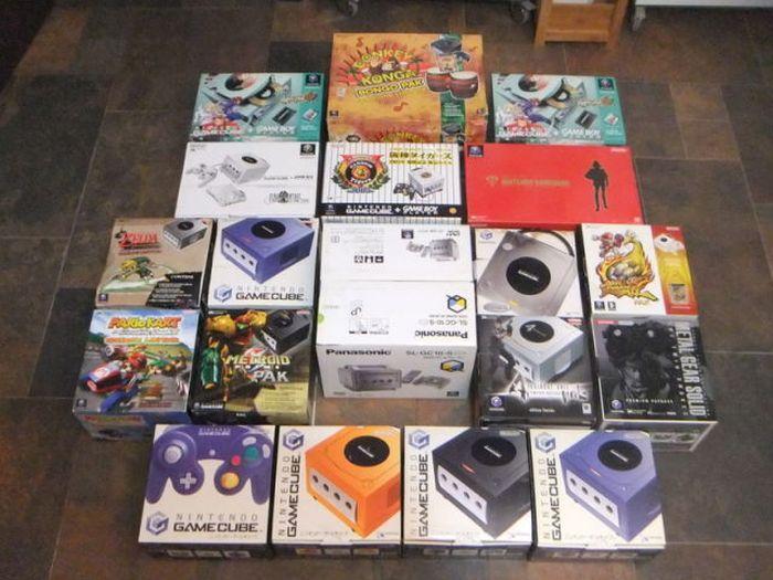 Огромная коллекция игр выставлена на eBay (45 фото)