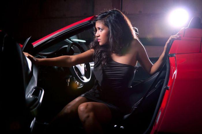 Девушки и автомобили (70 фото)