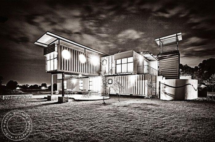 Детский дом из контейнеров (38 фото)
