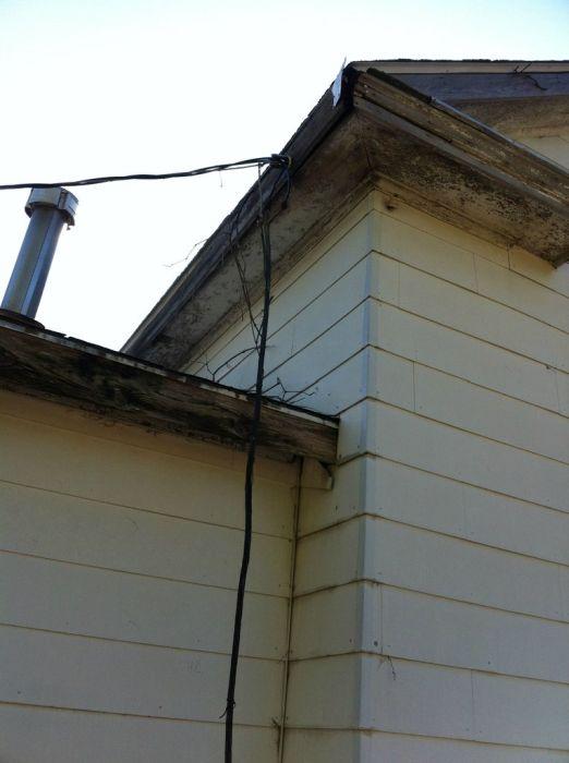 Жестяковый дом, выставленный на продажу (29 фото)